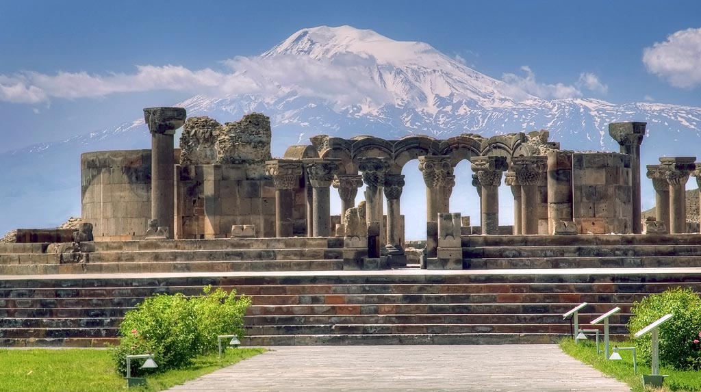 Armenia-zvartnots-cathedral-and-ararat-1